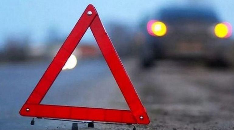 Вечером 26 октября в Самарской области произошло ДТП. Автобус, в котором находились 15 детей, столкнулся с машиной ISUZU. К счастью, во время аварии никто не пострадал.