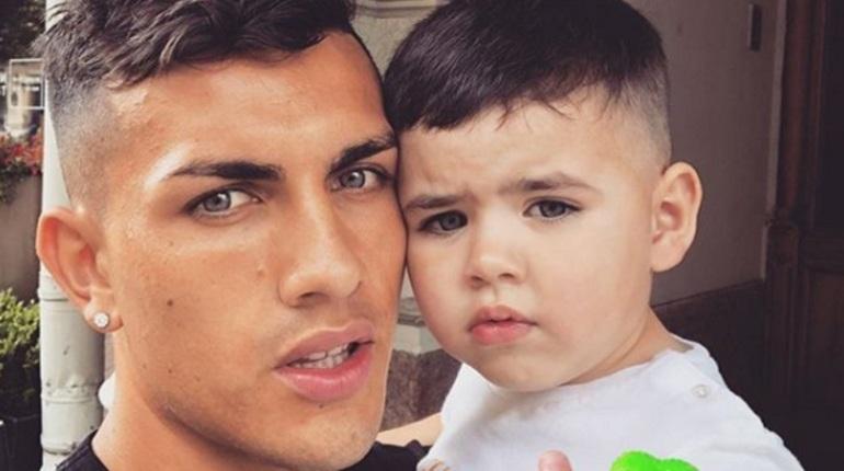 Петербургский футбольный клуб «Зенит» опубликовал трогательное видео с сыном футболиста Леандро Паредеса, который следил за матчем против «Бордо» с трибун.
