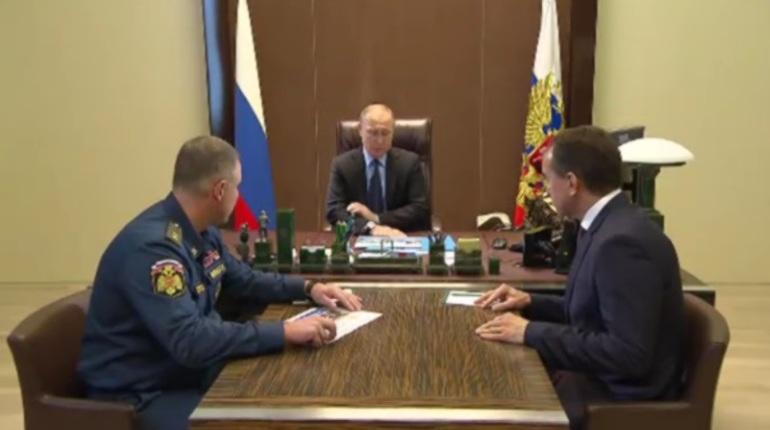 Путин пообещал помочь пострадавшим от наводнения на Кубани