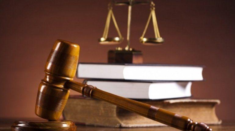 Двое бывших приставов условно сядут на 7 и 5 лет за взяточничество
