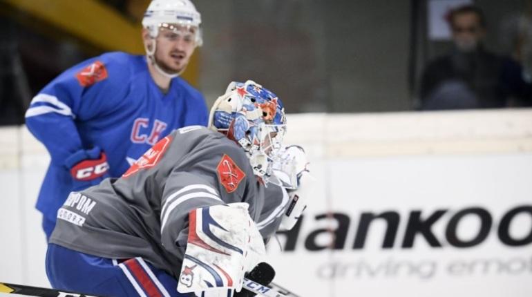 В воскресенье, 28 октября, петербургский хоккейный СКА проведет последний выездной матч перед стартом серии домашних встреч. Петербуржцам предстоит встретиться со «Слованом».