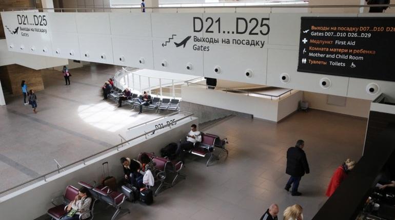 Жители Санкт-Петербурге уже сутки не могут выбраться из Испании. Настолько задержали их рейс из Аликанте.
