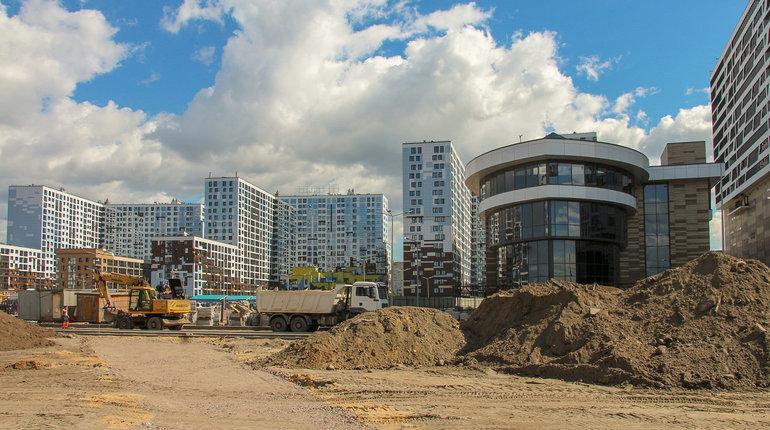 Сразу четыре игрока хотят получить право провести изыскания и разработать проект строительства новых улиц на намывных территориях Санкт-Петербурга. Комиссия сейчас выбирает подрядчика, который получи контракт со стартовой стоимость почти 78 млн рублей.