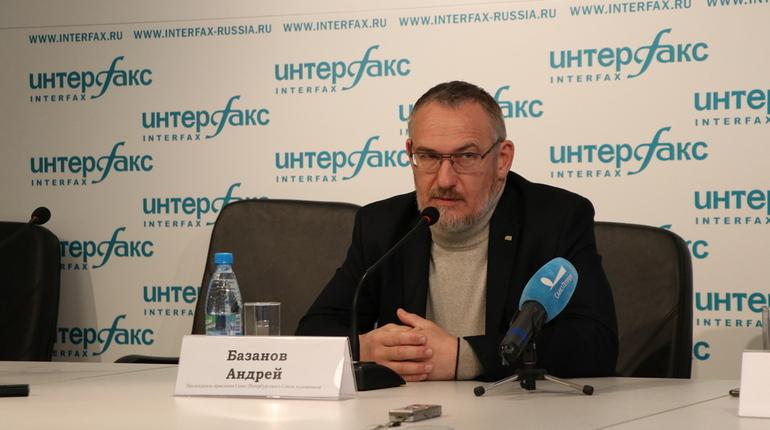 Петербургский Союз художников намерен устранить все нарушения до конца текущего года. Об этом заявил член союза художников Петербурга Андрей Базанов 29 октября на пресс-конференции.
