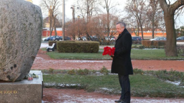 День памяти жертв политических репрессий отмечается сегодня по всей территории России и Петербург в этом плане не стал исключением. Об этом сообщили в городской администрации.