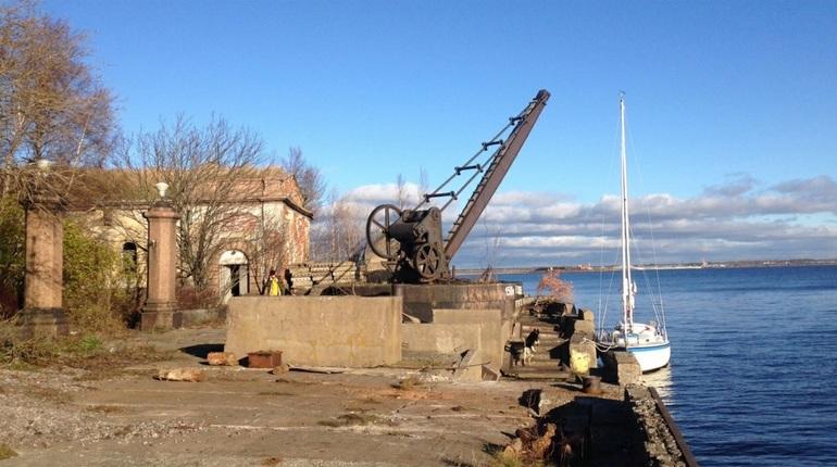 Разобранный вандалами форт в Кронштадте сдадут за рубль