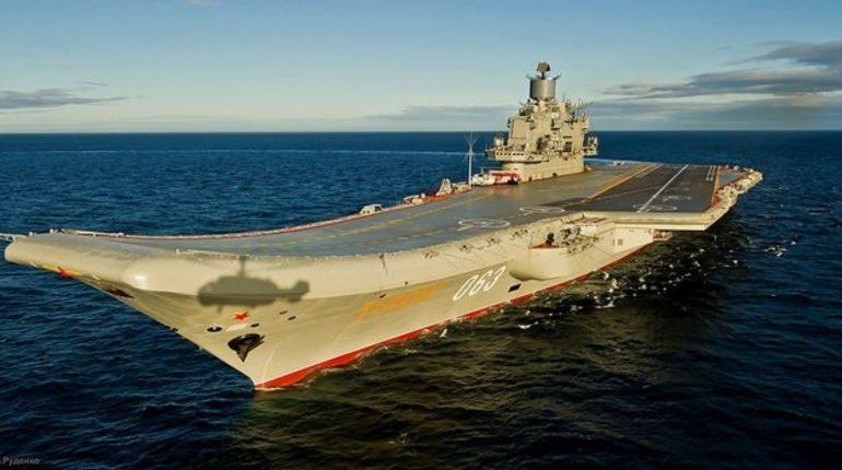 На месте затопления плавучего дока в Мурманске, где осуществлялся ремонт авианесущего крейсера