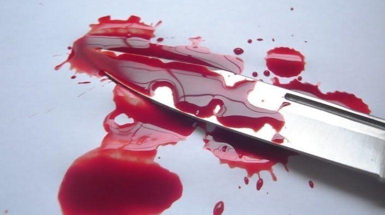 Рубщица мяса воткнула нож в своего супруга во время пьяной ссоры в Колпино.