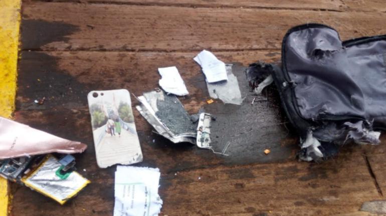 Власти Индонезии заявили, что обнаружен фюзеляж самолета, который разбился у берегов страны. Обломки удалось найти в ходе поисково-спасательных работ в Яванском море.