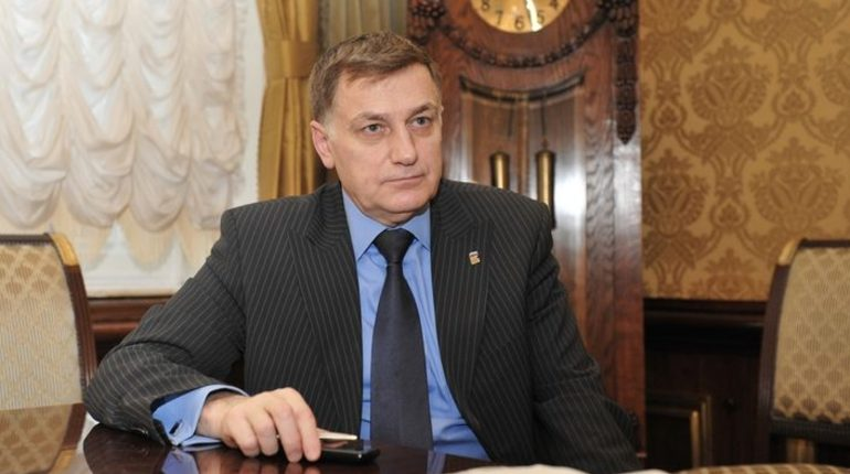 Макаров расчувствовался, говоря о Полтавченко и бюджете
