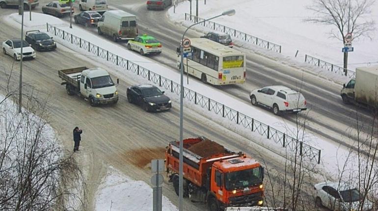 Федеральные трассы Петербурга и Ленобласти готовы к наледи