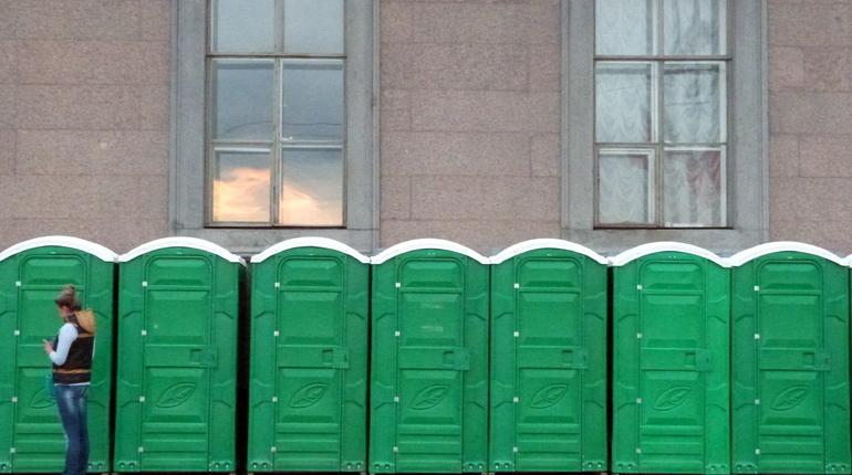 Туалеты в Петербурге обходятся дороже фонтанов