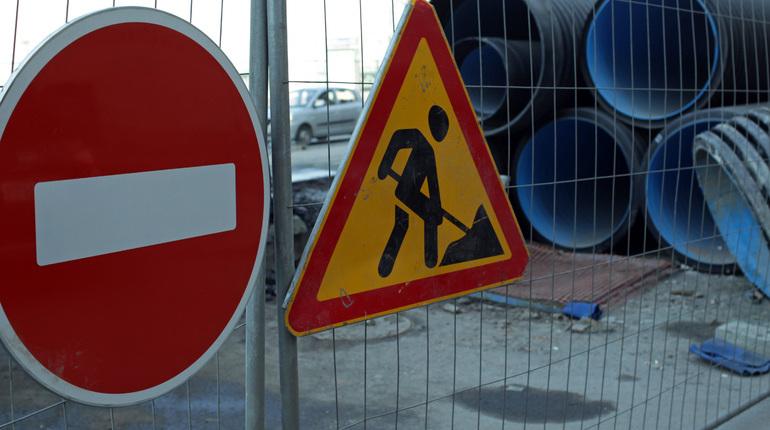 В Петербурге вступают в силу новые ограничения движения транспорта.