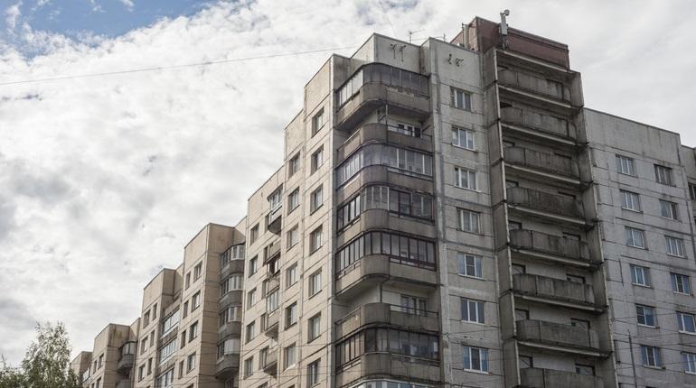 Панельные дома 50-80-х годов постройки ремонтируют во Фрунзенском, Калининском, Красногвардейском районах Петербурга.