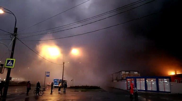 Опубликованы фото пожара на стройке ЖК «Морская звезда» в Петербурге