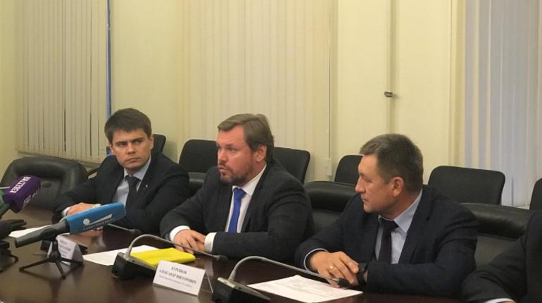 В комитете по благоустройству Петербурга 31 октября прошла пресс-конференция, посвященная началу работы регионального оператора по обращению с твердыми коммунальными отходами.