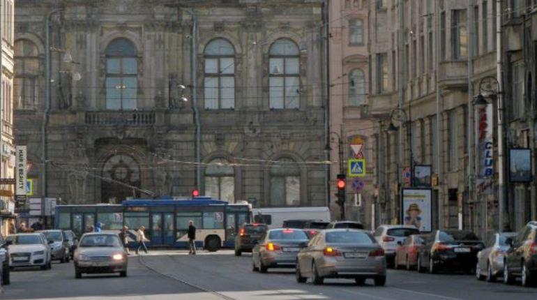 В центре Петербурга сотрудники вневедомственной охраны задержали мужчину, который избил посетителя кафе на улице Белинского.