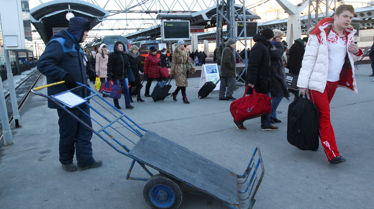 Московский вокзал в центре Петербурга в 12:30 вновь 1 ноября заработал в штатном режиме. Его временно эвакуировали после сообщения о бесхозном предмете.