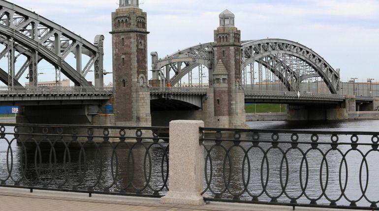 Съемки клипа закроют движение по Большеохтинскому мосту