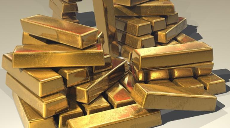 Мировые центробанки в третьем квартале текущего года купили рекордное за последние четыре года количество золото. Самым крупным покупателем стал ЦБ РФ - 92,2 тонны.