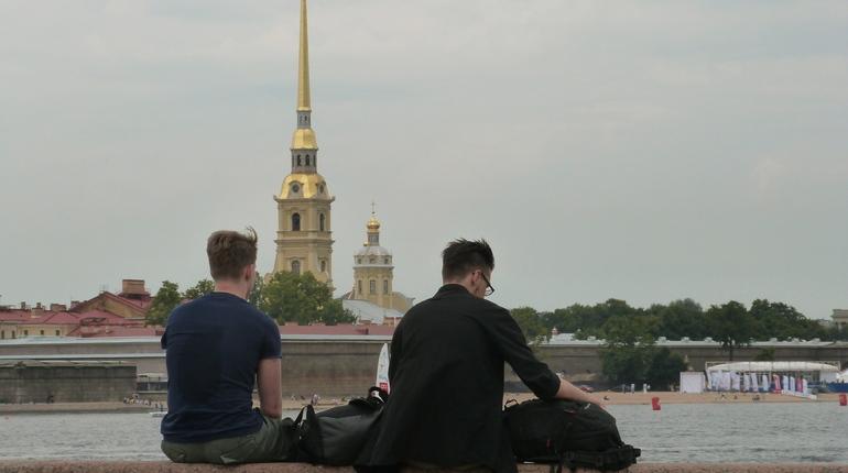Петербург стал самым популярным городом на ноябрьские праздники
