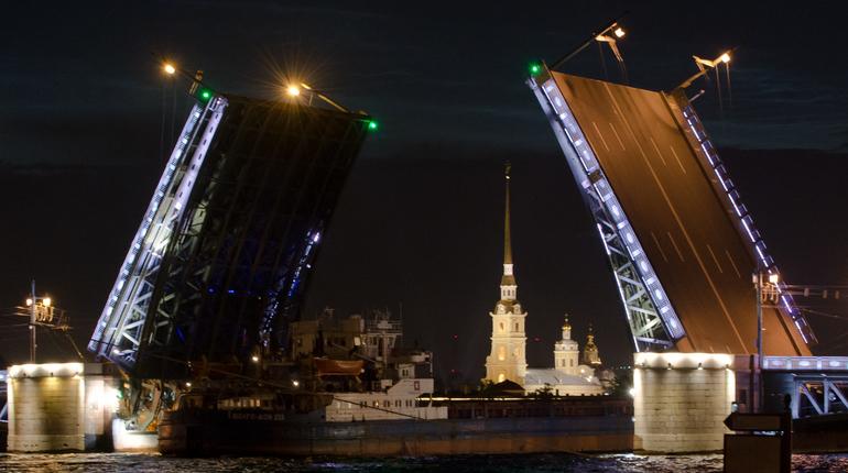 В ночь с 4 на 5 ноября в Петербурге не будут разводить мосты. Об этом сообщили в пресс-службе СПб ГБУ «Мостотрест».