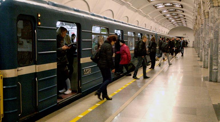 Вестибюль станции «Проспект Ветеранов» открыли для пассажиров