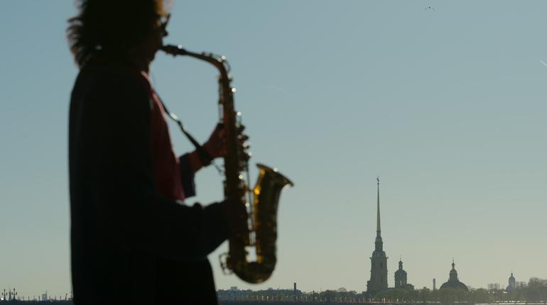 Петербург замкнул десятку самых музыкальных городов страны по количеству купленных музыкальных инструментов.