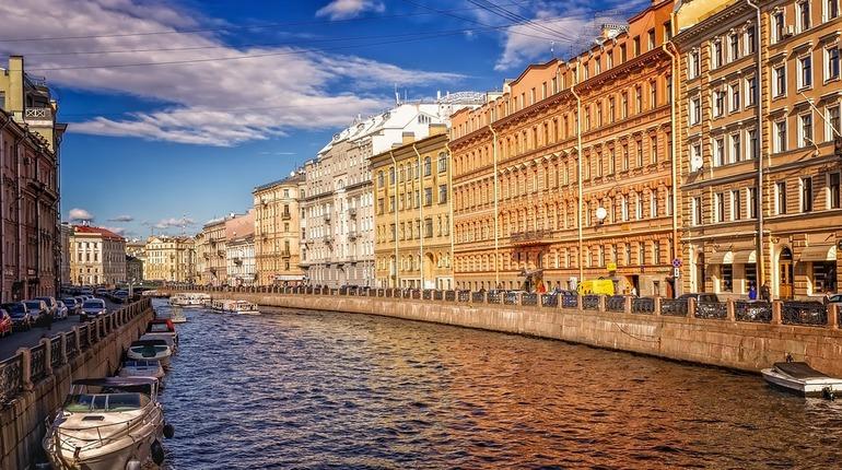 Петербуржцев ждет три дня выходных, посвященных празднованию Дня народного единства.