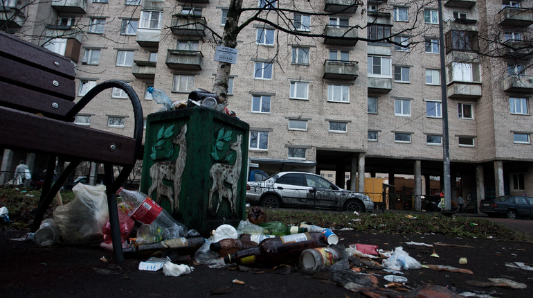 Смольный подарит горожанам мусорные горы на Новый год