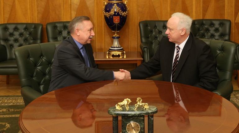 Врио губернатора Петербурга Александр Беглов в субботу, 3 ноября, встретился с председателем Следственного комитета России Александром Бастрыкиным, который прибыл в Северную столицу с рабочим визитом.