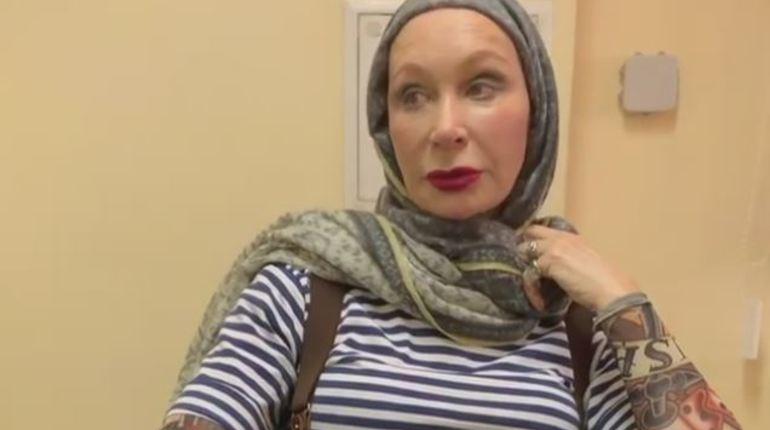 Известная актриса Татьяна Васильева была экстренно госпитализирована в НИИ им. Склифосовского после неожиданного и очень неприятного инцидента в метрополитене. 3 ноября Васильева получила травму головы из-за внезапно закрывшихся дверей.
