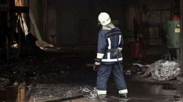 Во Всеволожском районе Ленинградской области 3 ноября сгорели постройки на площади 16 кв. м. О происшествии сотрудникам МЧС рассказали в 19:20. Они незамедлительно направились в поселок «Янино-1».