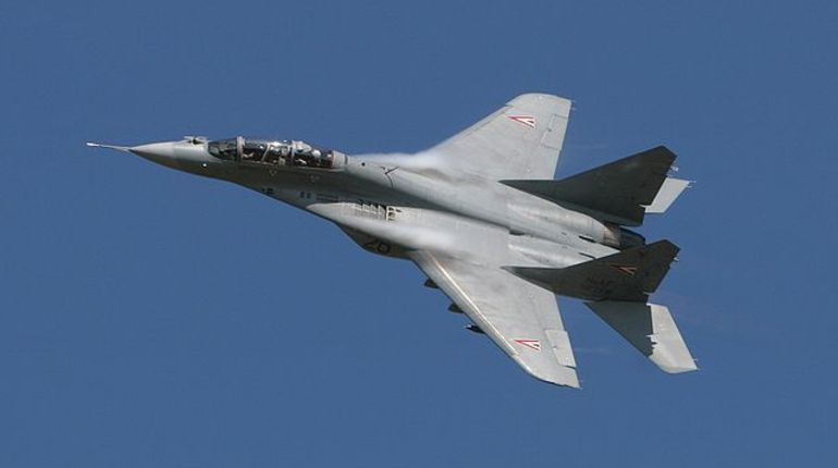 В Египте потерпел крушение истребитель МиГ-29М. Самолет был поставлен Россией в этом году в рамках коммерческого контракта. Причиной падения стала техническая неисправность, сообщает представитель египетских вооруженных сил Тамер ар-Рифаи в социальной сети Facebook.