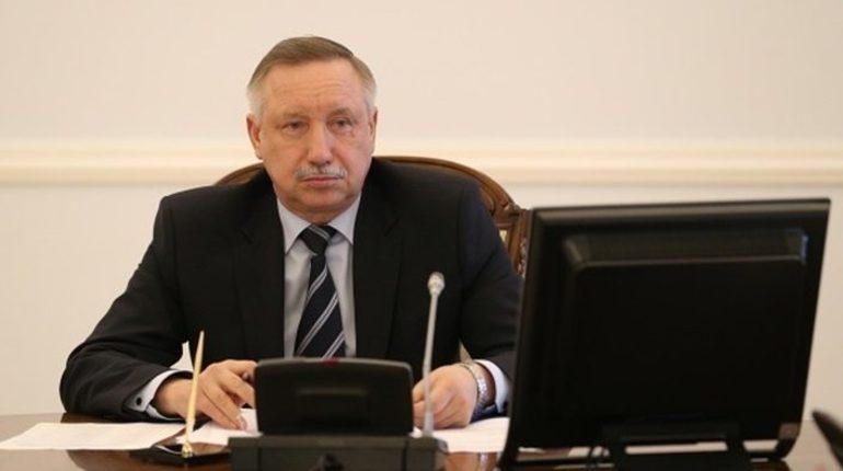 Временно исполняющий обязанности губернатора Петербурга Александр Беглов поздравил горожан с Днем народного единства.