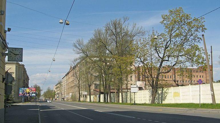 В Выборгском районе Петербурга вводятся ограничения движения. Большой Сампсониевский проспект на две недели станет двухполосным.