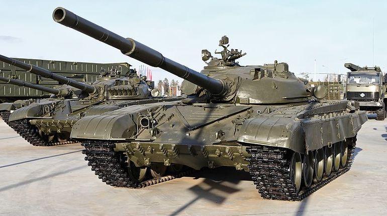 Американский журнал The National Interest сообщил неизвестные особенности российских танков Т-72, Т-80 и Т-90.