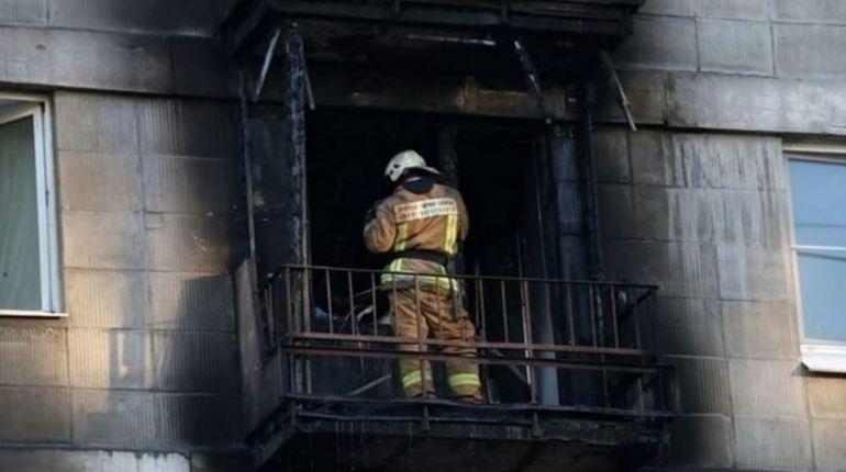 В Красносельском районе Петербурга произошел пожар в ночь с 4 на 5 ноября. В жилой квартире на Ленинском проспекте загорелся балкон, но спасатели МЧС потушили его к 00:42.