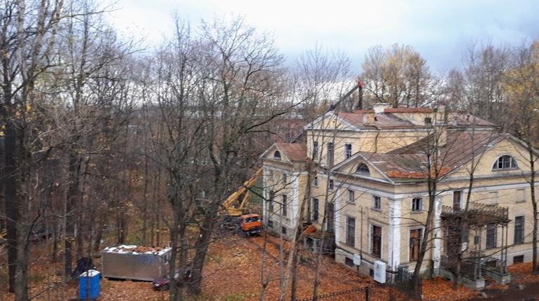 Какие памятники торопятся уничтожить в Петербурге