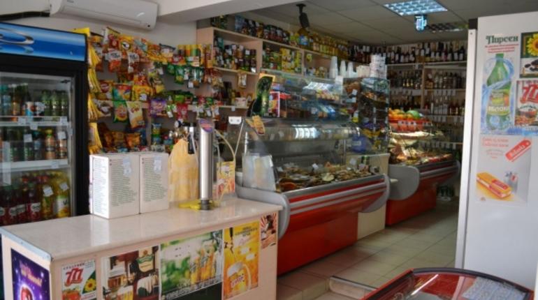 Неизвестные ограбили круглосуточный магазин в Московском районе Петербурга. Из кассы пропали 16 тыс. рублей.
