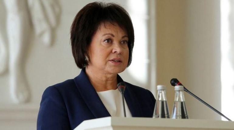 Заместитель полномочного представителя президента РФ по Северо-Западному федеральному округу Любовь Совершаева покидает прежнее место работы. Теперь она может устроиться на новую должность в Смольный.