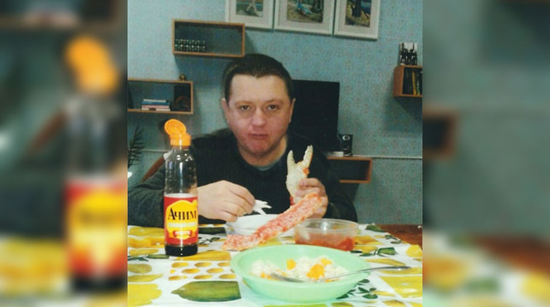По информации пресс-службы УФСИН по Амурской области, появившиеся в сети фотографии осужденного за массовое убийство Вячеслава Цеповязова подлинные, однако были сделаны в 2015 году.