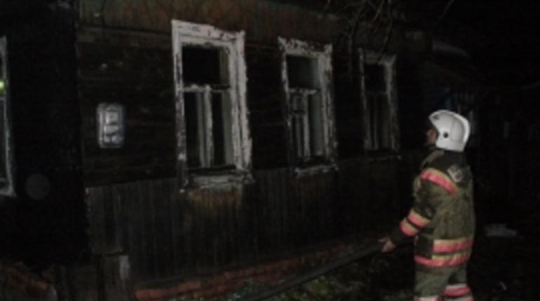 Шесть человек погибли при пожаре в частном жилом доме в Тамбовской области. СУ СК по Тамбовской области проводит доследственную проверку.