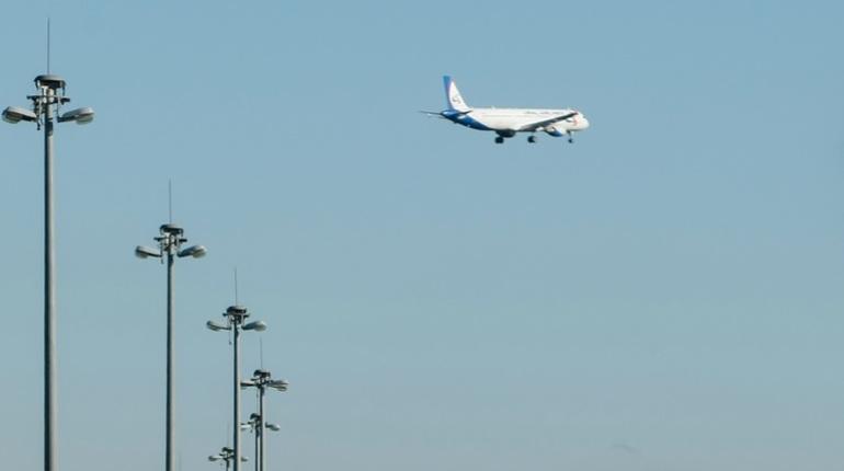 Самолет авиакомпании «Костромское авиапредприятие» 7 ноября вылетит из Петербурга с более чем часовой задержкой. Ожидалось, что в Кострому он отправится в 13:20. Об этом сообщается на онлайн-табло аэропорта Пулково.
