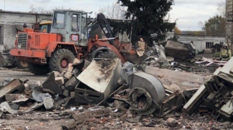 Пострадавшим при взрыве на заводе «Авангард» в Гатчинском районе Ленобласти продолжают выплачивать материальную помощь.