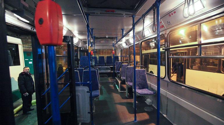Петербургские ночные автобусы, дублирующие линии метрополитена, перестанут выходить на маршруты с 11 ноября. В ночь с 9 на 10 и с 10 на 11 ноября они выйдут по расписанию.