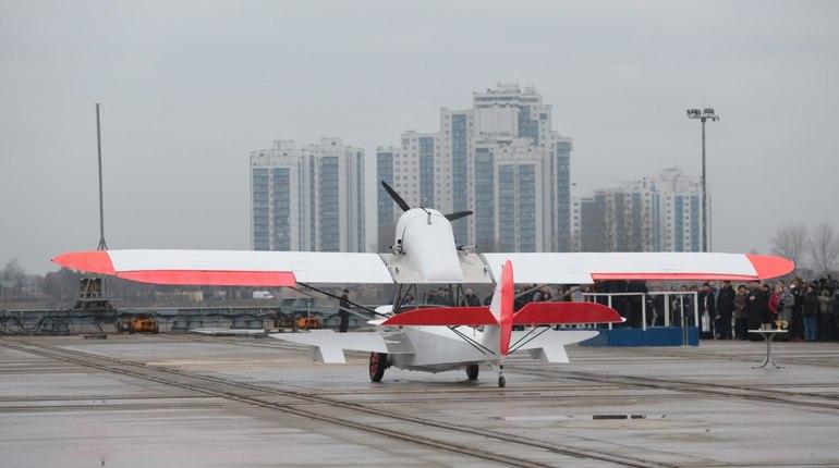 В Петербурге в поселке Понтонный на Средне-Невском судостроительном заводе вывели из цеха самолет-амфибию Ш-2.