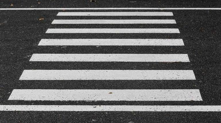 Девочка 10 лет погибла под колесами автомобиля в городе Подпорожье, Ленинградская область, вечером в четверг, 8 ноября. Виновник скрылся с места ДТП.