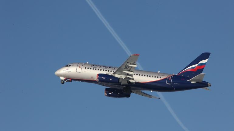В Петербурге задерживают рейс до Калининграда, который выполняет авиакомпания