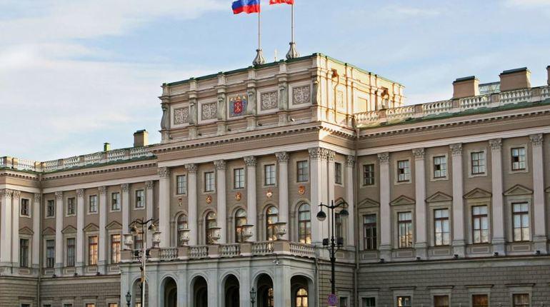 Комитет по законодательству ЗакСобрания Петербурга поддержал проект федерального закона, разрешающий регионам самостоятельно определять, в каких случаях за административные правонарушения можно уплачивать половину штрафа.